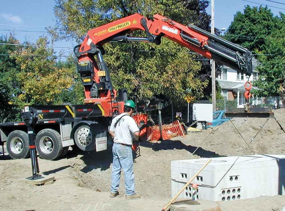 Articulating Truck Cranes Knuckle Boom Crane Equipment Sales
