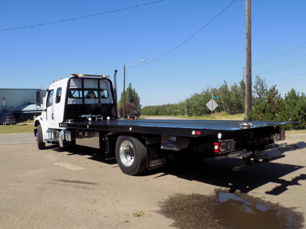 Century 12 Series 22′ LCG on Freightliner M2 106