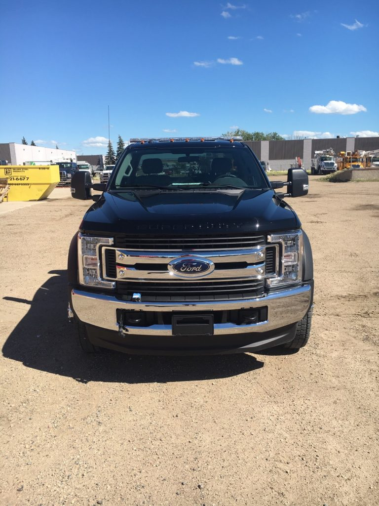 Century 19.5′ 10 Series on Ford F550 4×4